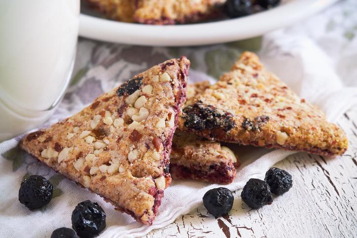 Cookies avoine-noisettes-myrtilles