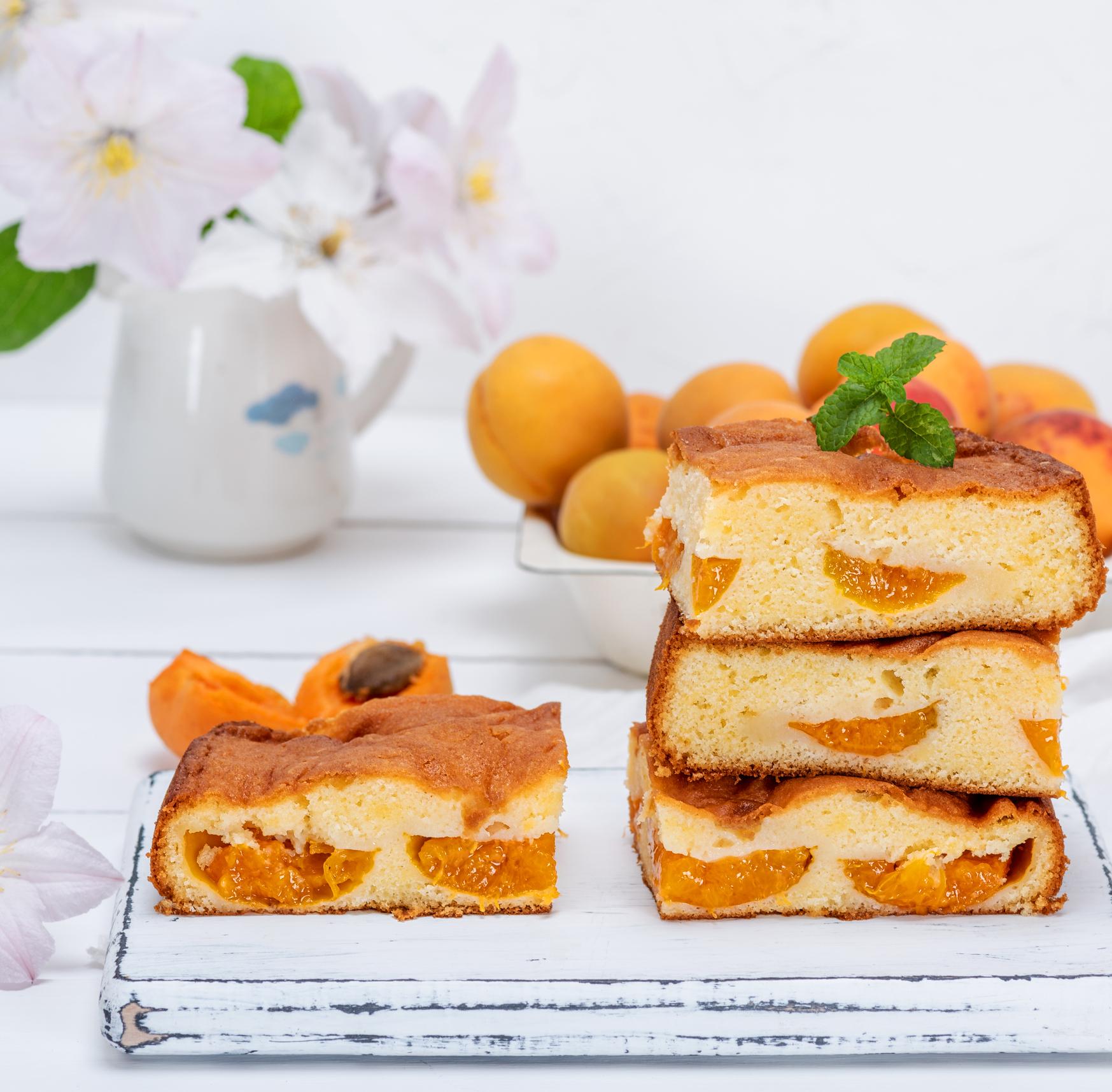Cake aux abricots et aux pommes