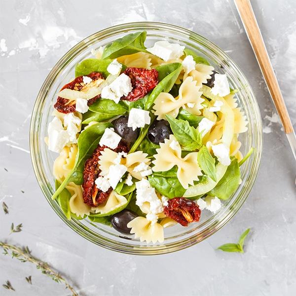 Salade de pâtes au chèvre et aux noix