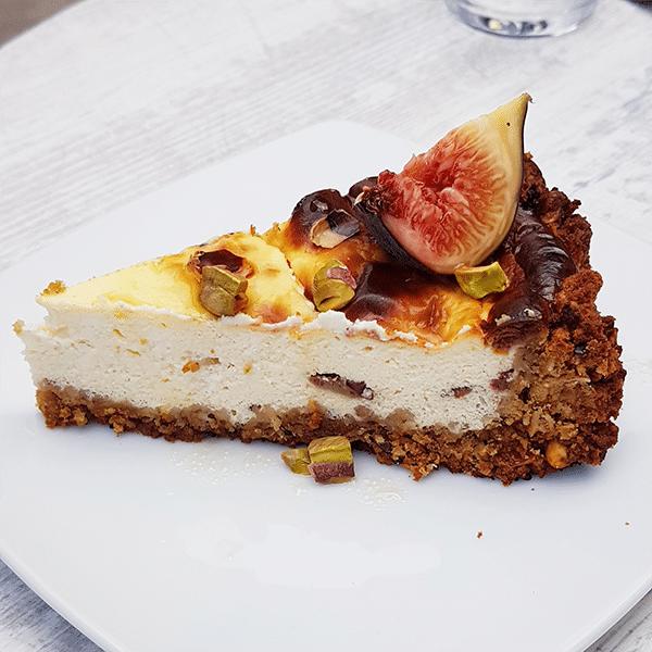 Les recettes de Justin : Cheese Cake à l'eau de fleur d'oranger & dattes