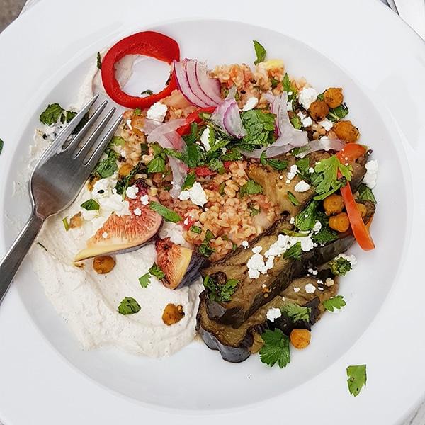 Les recettes de Justin : Taboulé Libanais et aubergine confite sauce tarator